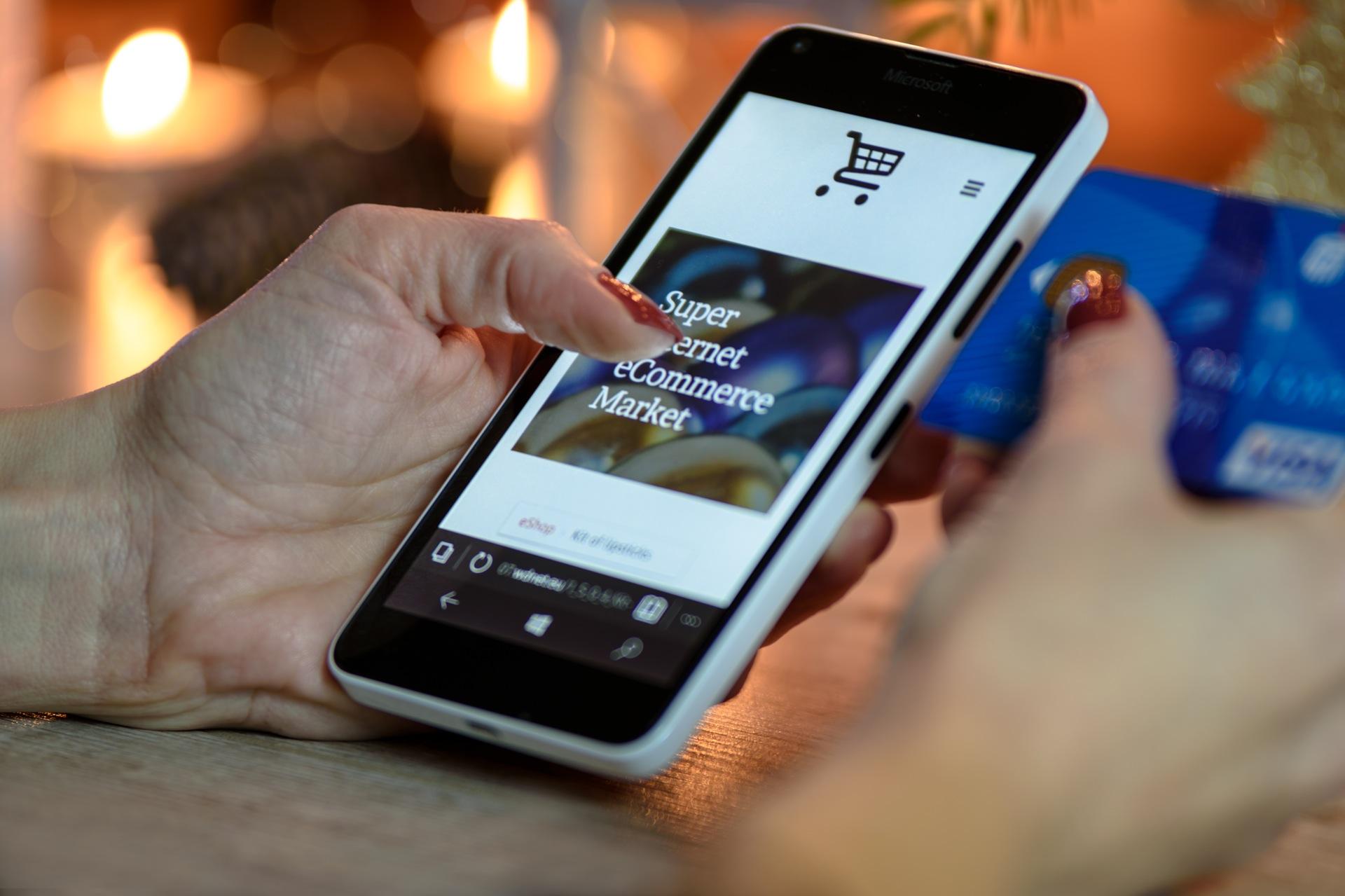 Facilita tu vida pagando desde el celular